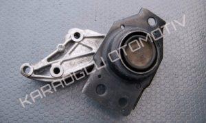 Renault Scenic 2 Megane 2 Motor Takozu Kulağı Sağ 8200398170