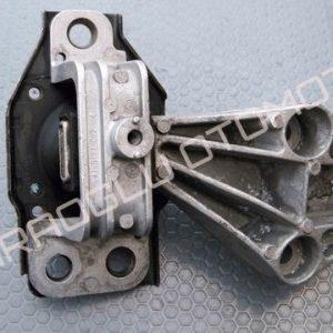 Renault Scenic 2 Megane 2 Motor Takozu Kulağı Sağ 8200902955