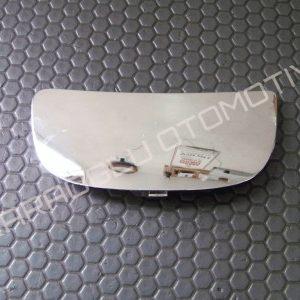 Opel Vivaro Dikiz Aynası Alt Camı Sağ 7701052626