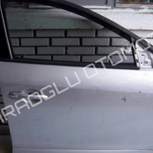 Renault Megane 3 Hatasız Kapı Sağ Ön 801009623R 801003028R