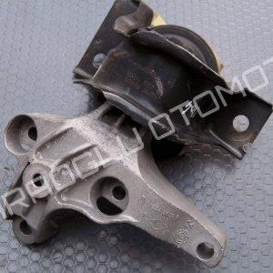 Dacia Sandero Duster Logan Sağ Motor Takozu Kulağı 112849221R 112100627R
