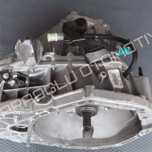 Dacia Duster 4x4 Şanzıman Komple 6 Vites TL8 007 320100342R
