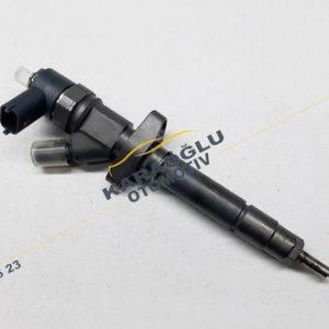 Opel Movano Enjektör 2.5 Dizel G9U 0445110141 8201043605