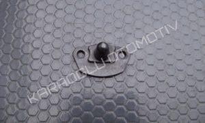 Renault Master Yan Kapı Kilit Karşılığı 7700352408