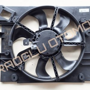 Dacia Duster Fan Davlumbazı Fan Motoru 214751875R 214815313R