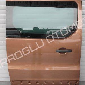 Renault Trafic 3 Hatasız Sağ Sürgülü Kapı 821002409R