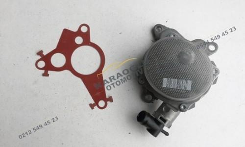 Opel Vivaro Fren Vakum Pompası 2.0 M9R 8200881338 146502570R