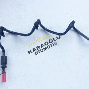 Opel Vivaro Enjektör Yakıt Dağıtım Hortumu 2.0 M9R 8200890122