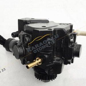 Opel Vivaro Mazot Pompası 2.0 Dizel M9R 8201024002 8200950493