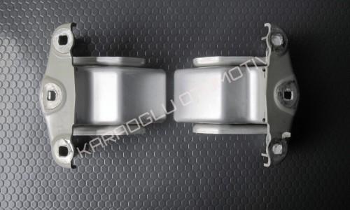 Opel Vivaro Bagaj Kapağı Menteşesi 8200527899 8200527896