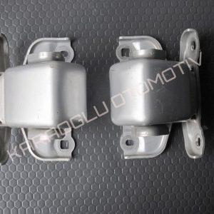 Opel Vivaro Bagaj Kapağı Menteşesi 8200527428 7700312304